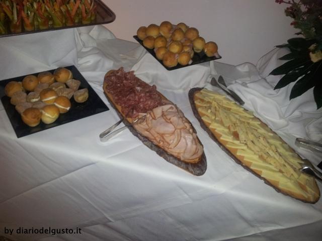 Foto Aperitivo Hotel Exedra Salumi, formaggi e panini