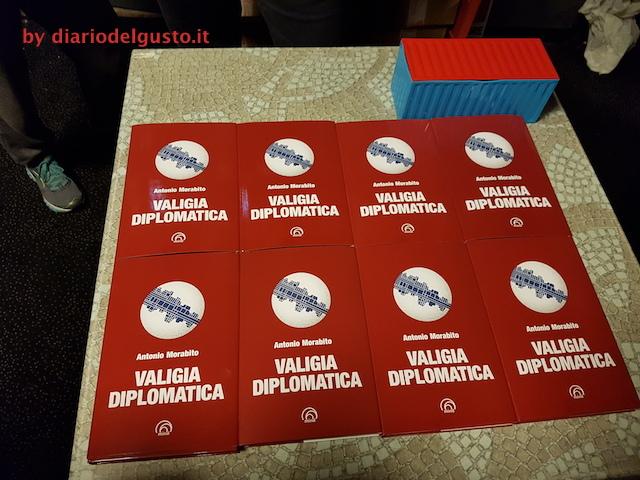 Foto Libro Valigia Diplomatica